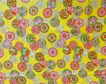 1960s / 1970s Yellow Medallion Print Fabric 3.5 yds