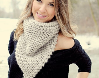 Knitting Pattern - Bandanna Triangle Scarf // Cozy Up