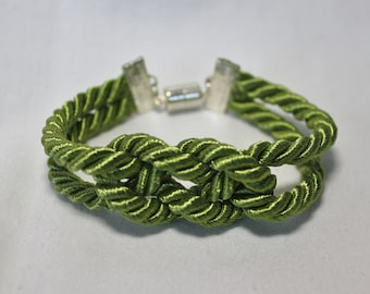 Knotted Rope Peridot Green Bracelet