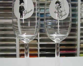 Wedding Toasting Glasses - Bride and Groom, Personalised Champagne Flutes, Custom Champagne Glasses, Set of 2, Wedding Gift