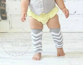 Baby Boys Girls Silver Grey Gray Chevron Stripe NO Ruffle Legwarmers. Unisex Christmas Leg Warmers.Football Socks Soccer Cheer Dance Holiday