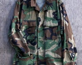 Camo Jacket / Vintage Army Jacket / Military Issued Button Down Shirt Jacket