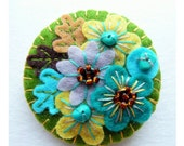 Japanese Art Inspired Handmade Mini Felt Brooch - Olive