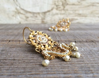 Vintage Mexican gold filigree earrings with natural pearls, Spanish Colonial style filigree dangle earrings, 10 kt gold and pearl earrings