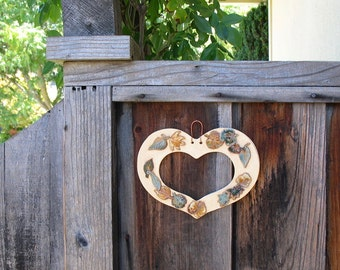 Ceramic Heart-Shaped Wall Hanging with 14 Applied Leaves - Made with Real Leaves - Picture or Mirror Frame - Handcreafted Clay- Gift Idea