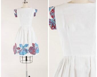 1950s Vintage Dress • Ravishing Jewels • Border Print Cotton Pique Vintage 50s Day Dress Size Small