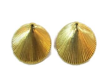 Monet Earrings Gold Shell Earrings For Pierced Ears Antique Gold Earings Earing Mod Jewelry Monet Jewelry Gold Earrings
