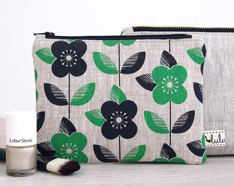 Small makeup bag, zipper pouch with Daisy print