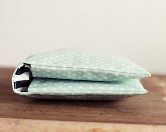 Windeltasche/ Diaper bag aus Wachstuch - Mint mit Sternen - Wickeltasche