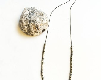 Vintage Marbled Gold and Black Bead Necklace