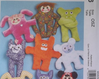 McCall's Crafts M5826. Easy Wacky Creatures pattern. Very cute. Great for a first sewing project. Pattern is new, uncut, and factory folded.