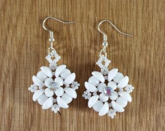 Beaded white earrings, Pearl white beadwork with Swarovski montee, Floral earrings, Romantic beadwoven dangle drop, Bridal earrings, Rounduo