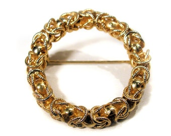 60s Gold Tone Circle Pin, Vintage Wreath Pin, Gold Tone Wreath Brooch, Vintage Goldtone Circle Brooch