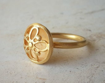 Flower Ring in 18k Solid Gold . Floréo Ring . Gold Cocktail Ring . Handmade Fine Jewelry . Statement Ring . Solid Gold Ring