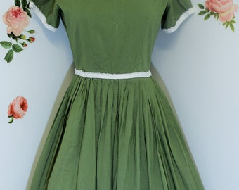 Vintage Summer Dress, Green Dress, 1950's, Pleated, Casual Dress, Size Small