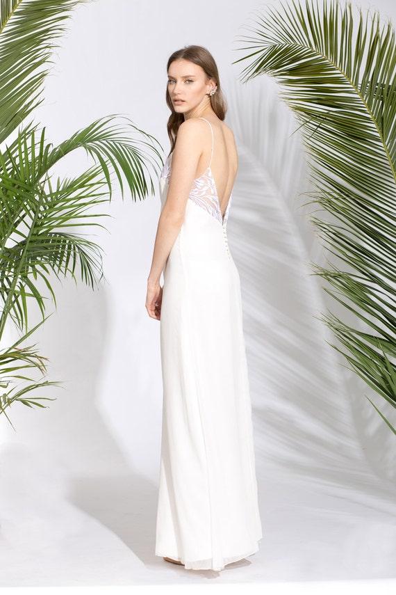Wedding Dress With Detailed Open Back Beach Wedding Dress