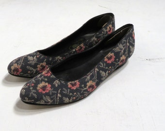 Vintage 80's Floral Tapestry Flats Size 8/7.5
