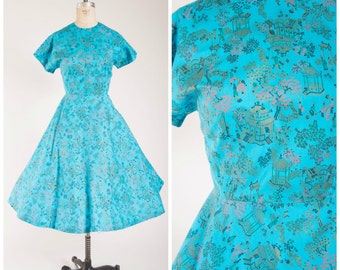 1950s Vintage Dress • Pagodas in May • Novelty Print Cotton Vintage 50s Day Dress Size Large