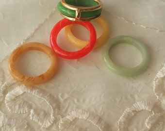 "Vintage Avon Lucite Ring Plastic Ring Size 7 to 8 ""Color Go Round"" Collection 1979"
