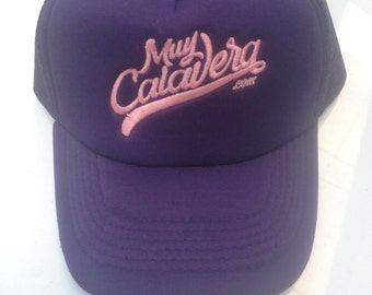 Cap very purple and pink skull