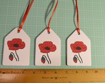 Set of 3 large gift tags featuring red poppy