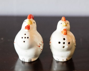 Chicken - Hen - Salt and Pepper Shakers - Farm Animals - Barnyard - Country