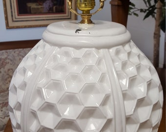 White hexagonal honey comb vintageLamp