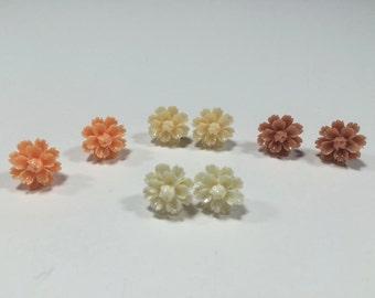 Earrings resin Carnation