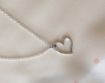 Dainty Sterling Silver Heart Necklace, Simple Silver Necklace, Delicate, Sterling Silver Chain Layer, Minimal Long Layered Necklace / LN105s