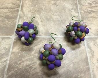 3 Hickory Nut/Pebble Grape Pods