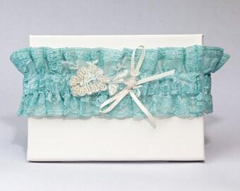 Garter 072 - Vintage Garter, Lace Garter, Wedding Garter, Liga de Bodas, Garter, Toss Garter. Made with a variety of laces & materials.
