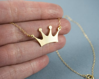 Crown Necklace - Gold crown necklace, Crown charm, Princess crown necklace, Crown pendant, Crown jewelry, Queen necklace, Engraved necklace