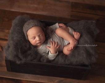 Graphite Colorblend Fluff - newborn photo prop - charcoal wool batting - basket stuffer - cloud layer