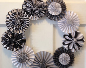 Small Black and White Pleated Paper Rosette Wreath