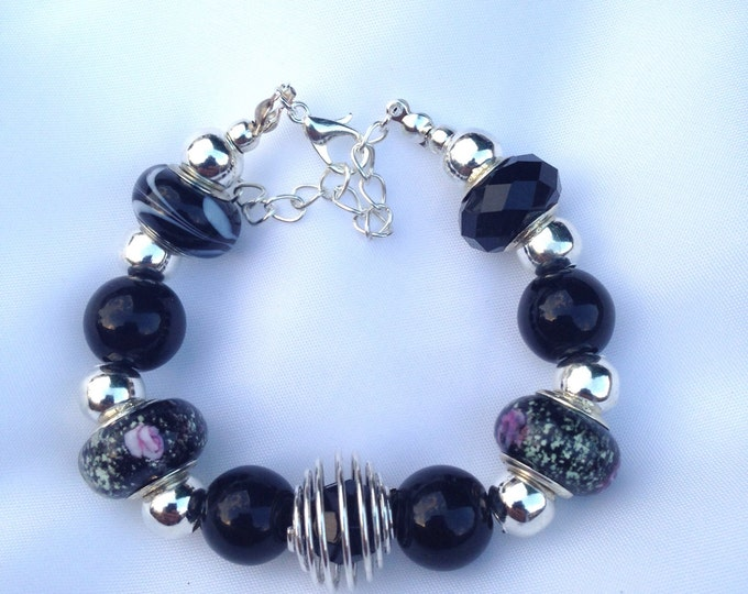 Black agate and glass bracelet, agate and glass bracelet, black bracelet, agate bracelet, glass bracelet, agate and glass