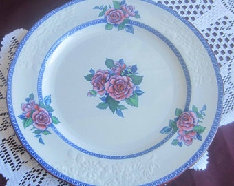 Spode Copeland 2-6197 Embossed Bone China Dinner Plate with Blue Greek Key and Florals