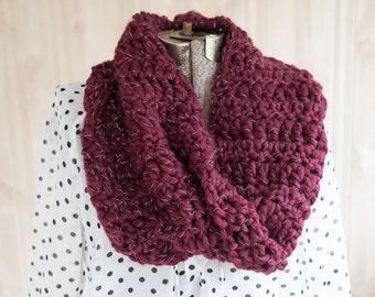 Chunky Crochet Infinity Scarf // burgundy
