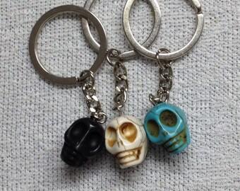 KEYCHAIN Keyring skull for HALLOWEEN. In 3 colours.