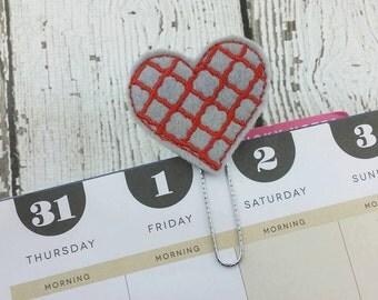 Quatrefoil Heart Planner Clip