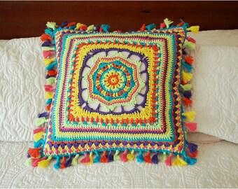 Woven decorative pad