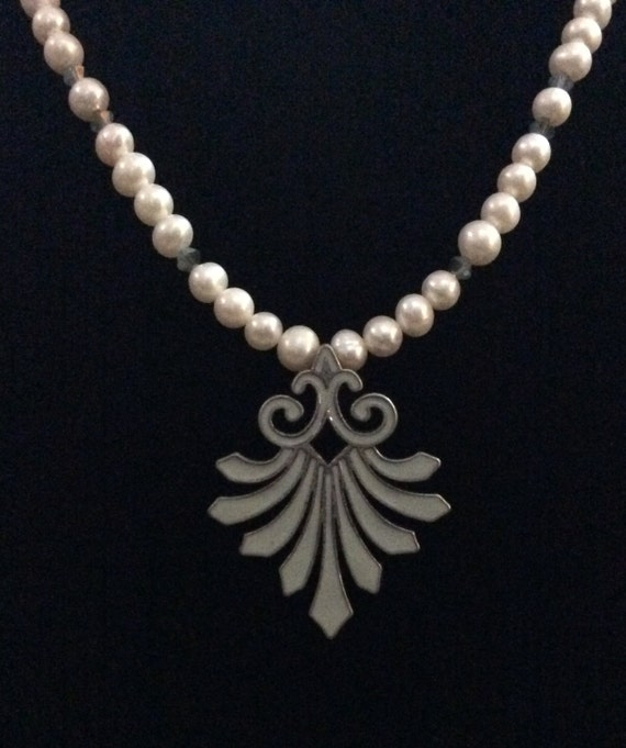 FRESHWATER PEARL NECKLACE with Coordinating Earrings