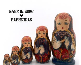 Vintage Russian Nesting Dolls, Highly Detailed Royal Maidens with Handkerchief & Headdresses. Matryoshka Dolls, Christmas Hanukkah Gift Set.