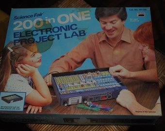 200 in One - Electronic Project Lab - Science Fair - 1981