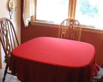 Vintage Burgundy Round Tablecloth With Pattern   Christmas Valentine  Anytime Tablecloth   See Details