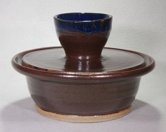 Deep Brown Stoneware Ceramic Lidded Casserole Bowl with Midnight Blue Accent on the Handle