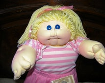 Vintage Cabbage Patch Kid Doll~ Little People Soft Sculpture Girl w/Papers
