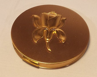 Vintage 1950s Embossed Floral Goldtone Zell Fifth Avenue Women's Compact
