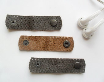 3x Leather headphone wrap Dark brown earbud holder USB cable holder Leather cords organizer Wrapped earbuds Earphone wrap Cables organizer