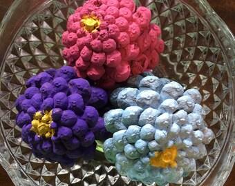 Zinnia painted pinecones