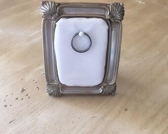Ring holder frame